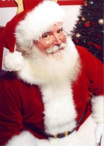 Jonathan_G_Meath_portrays_Santa_Claus-1